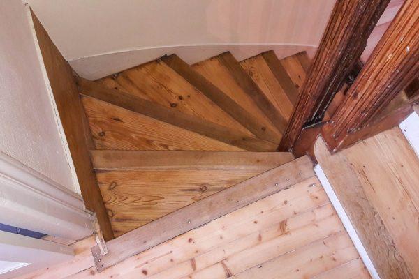 Restaurer des escaliers, Peintre à Brest, Reprise escalier,
